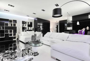 белый с подсветкой гостиная потолок