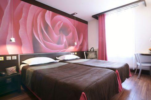 стенка с печатью розы