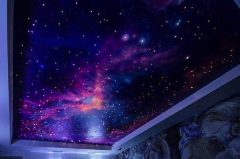 космический натяжной потолок