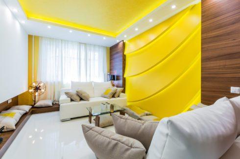 светло-желтый глянец с подсветкой