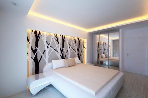 белый потолок с теплой подсветкой