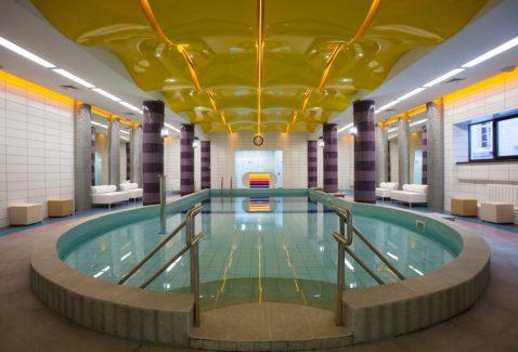 желтый выпуклый глянец бассейн