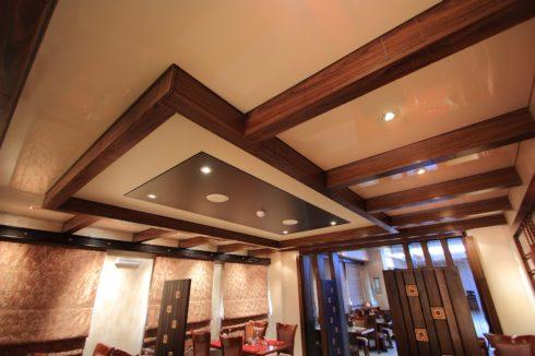песочный потолок в кафе