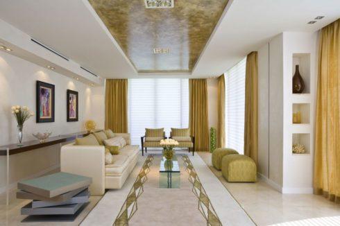 Золотисто-белая комната