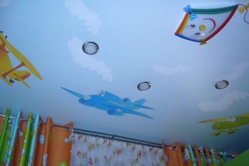 комната с небесным потолком
