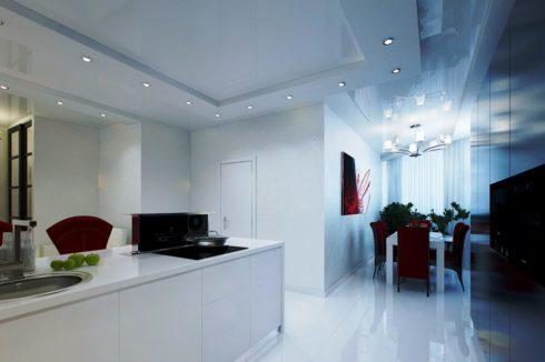 бело-синий потолок на кухне