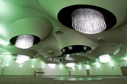 объемный белый потолок