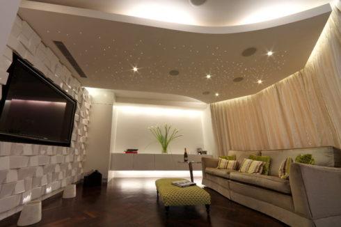 комната с необычной стенкой