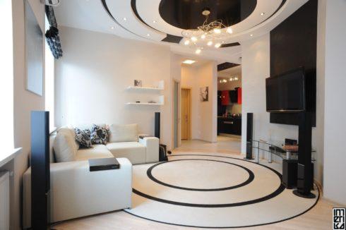 черный круглый потолок в спальне