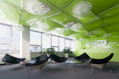 зеленый apply в здании
