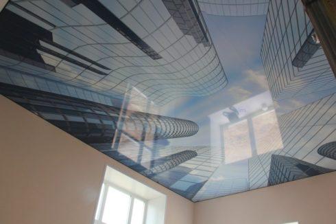 потолок с небоскребами