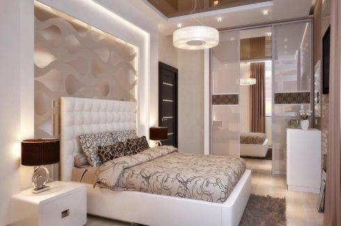 коричневый глянцевый потолок в спальне