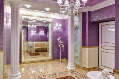 розовый потолок в комнате