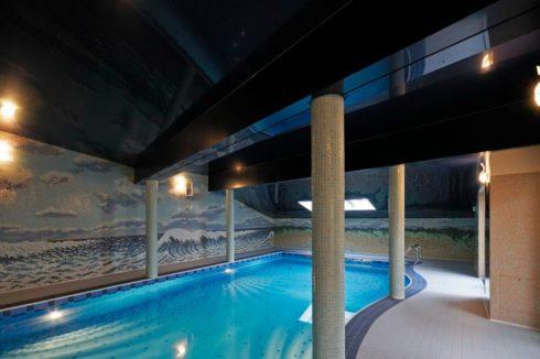 черный глянец бассейн подсветка