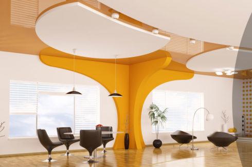 оранжевый натяжной потолок в квартире