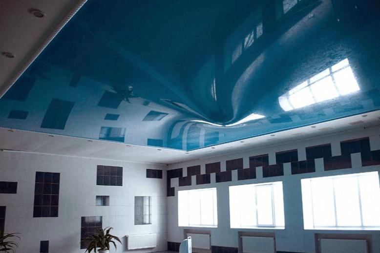 Затопили синий потолок